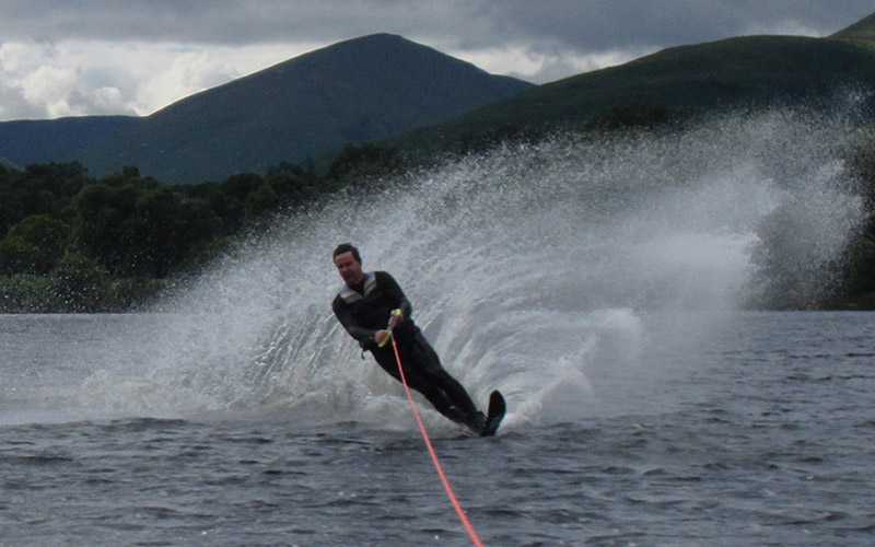 WATER SPORTS: Water-Skiing on Loch Lomond
