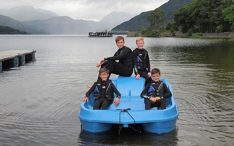 800-500-loch-lomond-boat-hire-pedal-01