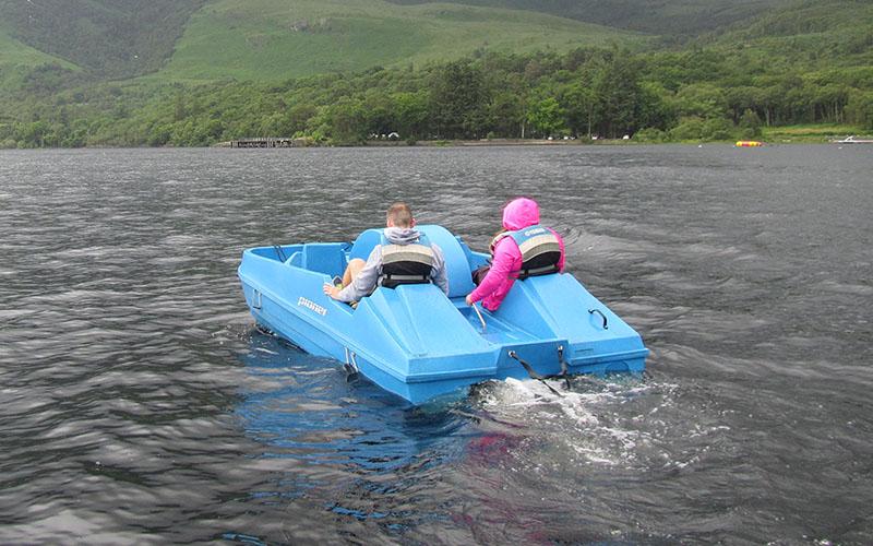 800-500-loch-lomond-boat-hire-pedal-04