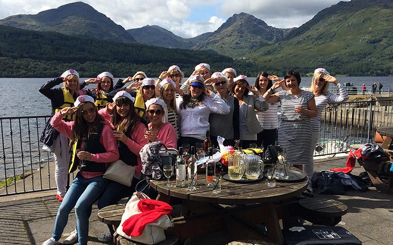 HEN PARTY: Speedboat Pub Tour