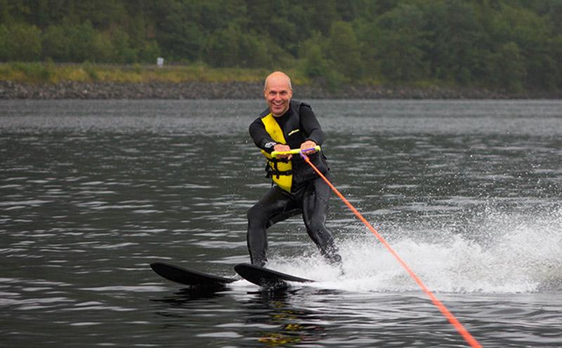 WATER SPORTS: Water-Ski